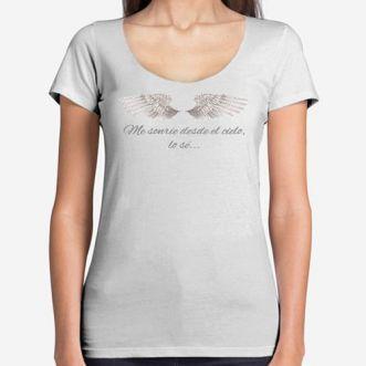 https://www.positivos.com/101055-thickbox/camiseta-mujer-me-sonrie-desde-el-cielo.jpg