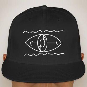 https://www.positivos.com/139496-thickbox/gorra-con-logo-surfer.jpg