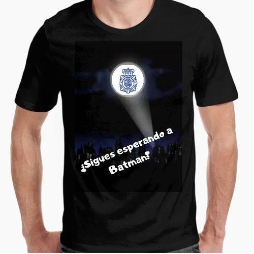 https://www.positivos.com/148201-thickbox/sigues-esperando-a-batman-policia.jpg