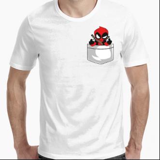 https://www.positivos.com/168644-thickbox/camiseta-deadpool-en-mi-bolsillo.jpg