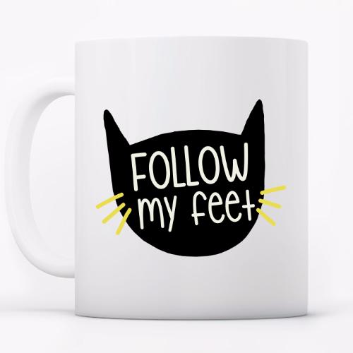 Taza 'follow my feet'