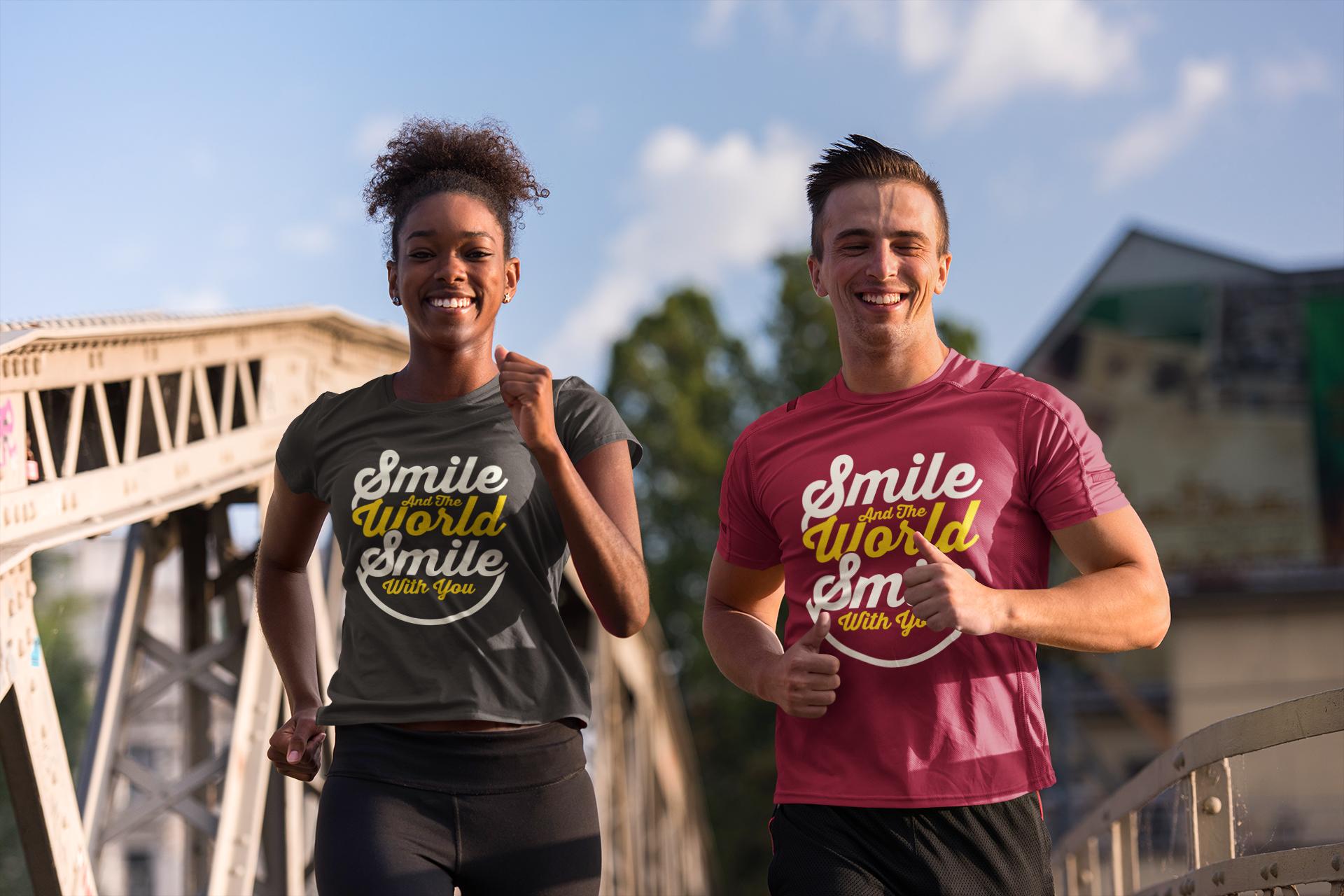 Camisetas sonriendo